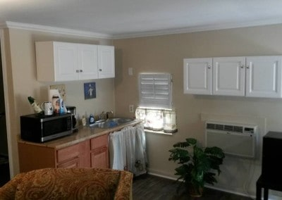 Kitchen in the apartment at Texas marriage retreat